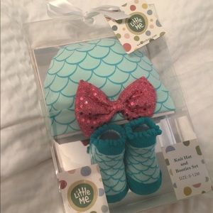 Baby Girl Mermaid Knit hat and bootie set, NWT